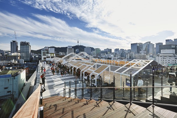 Rooftop activity space at Makercity Sewoon