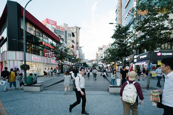 The Yonsei-ro Transit Mall